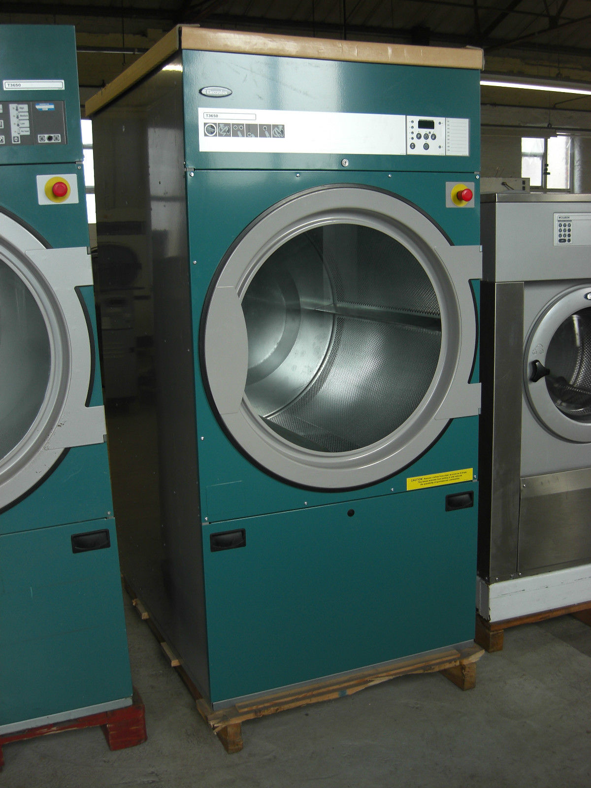 Industrial Washing Machines : Commercial industrial electric dryers electrolux ipso